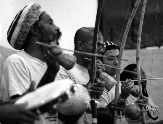 Capoeira Bateria - Mestre Cobra Mansa